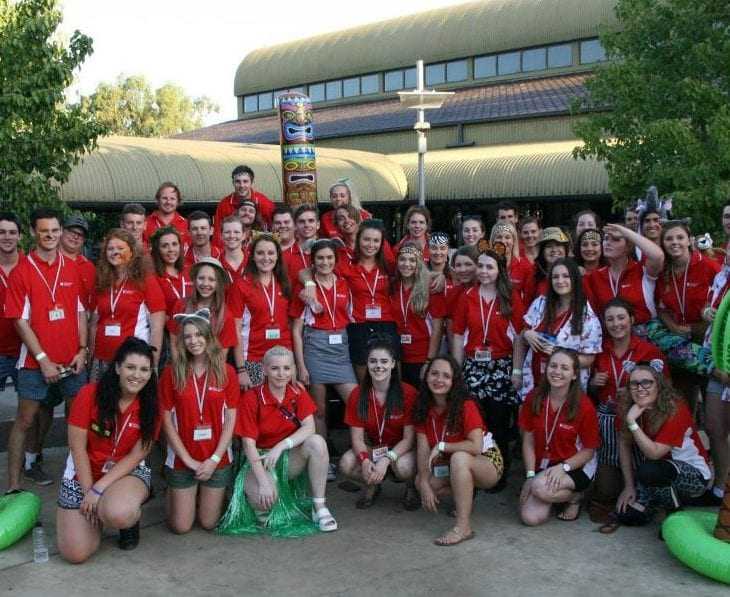 O Week students gather for a photo at the Wagga Campus