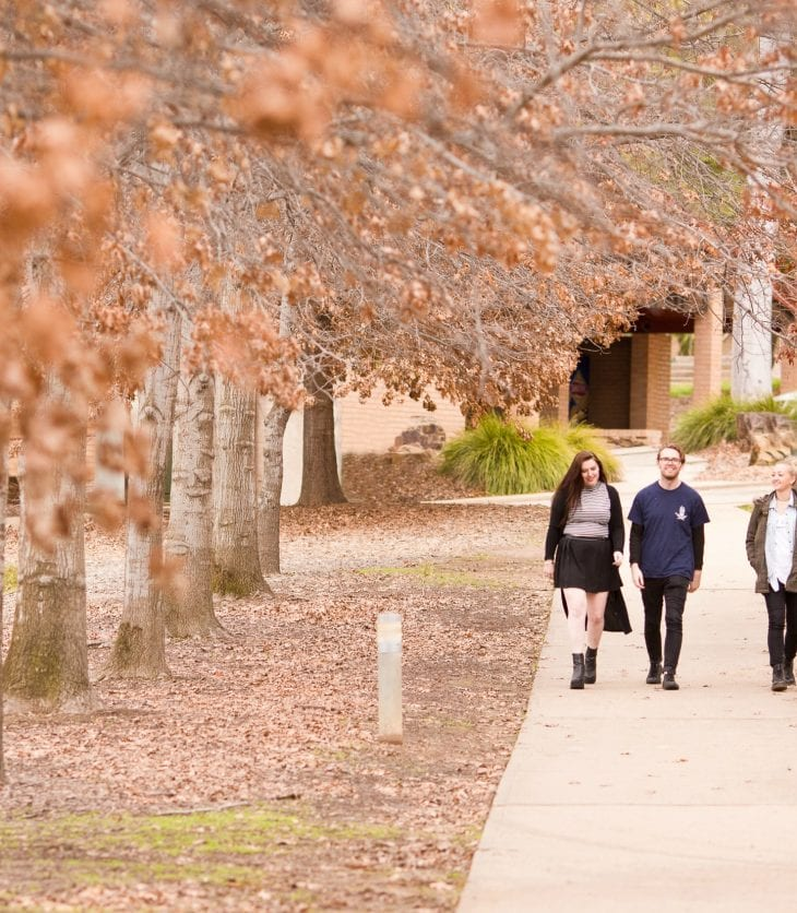 First-year CSU students walking back from class in Wagga Wagga