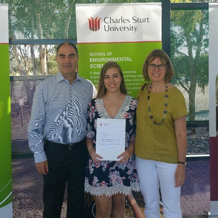 CSU student in Albury-Wodonga, Laura Coop, receiving a Faculty of Science Executive Dean's Award.